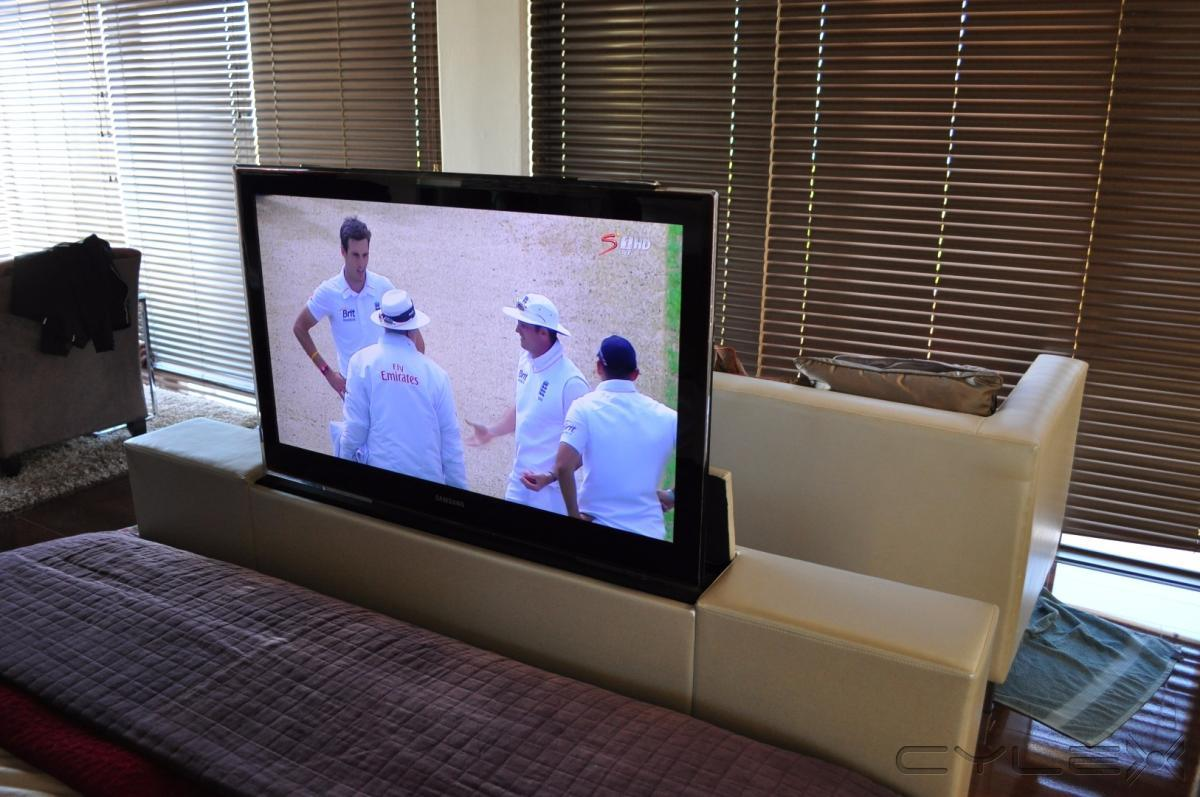 definition projection screens tv lift systems somerset west cylex profile. Black Bedroom Furniture Sets. Home Design Ideas