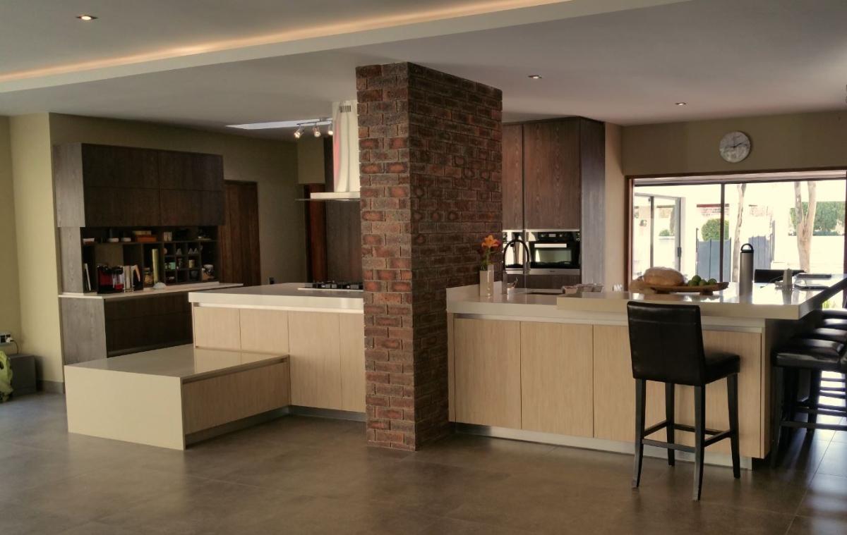 Vast construction projects johannesburg cylex profile for Luxury kitchen johannesburg