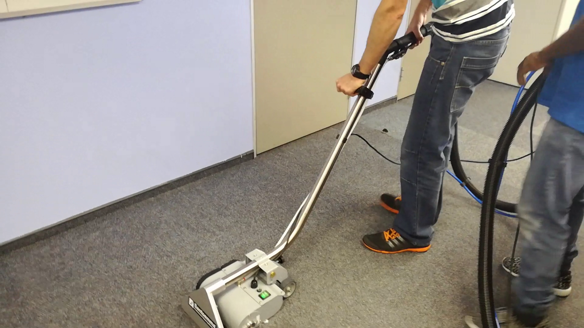 Power brush carpet cleaning